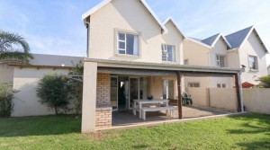 SECURE ESTATE LIVING IN THE HEART OF GONUBIE!
