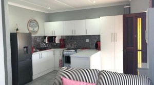 Newly renovated 2 bedroom townhouse in upper Gonubie