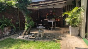 2 Bedroom townhouse with a beautiful garden in a secure complex