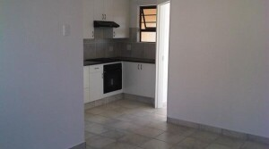 Modern 1 Bedroom Flat in a secure complex.