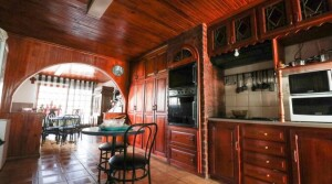 Spacious 5 Bedroom Family Home in Gonubie