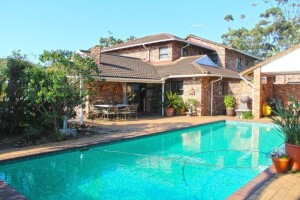 Beautiful, Upmarket 4 Bedroom Home and Pool for the Entertainer!